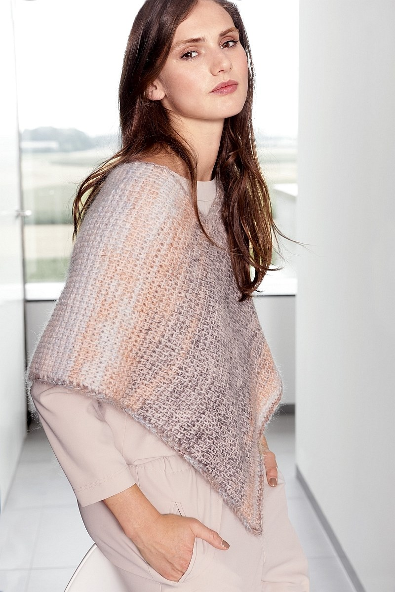 Lana Grossa Design Special 4 - model 22: Poncho
