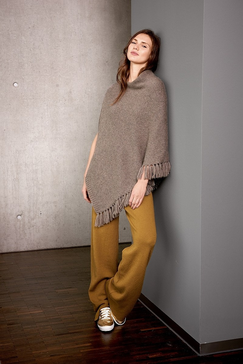 Lana Grossa Design Special 4 - model 23: Poncho