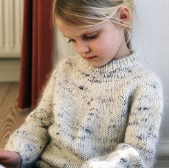 Novice Sweater Junior - strikkeopskrift fra PetiteKnit