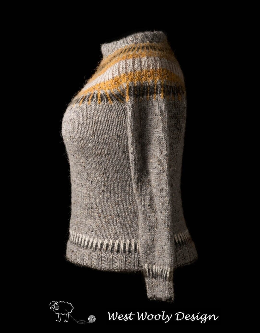 Straight Forward sweater fra West Wooly Design - skulder