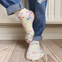 Everyday Socks Junior - strikkeopskrift fra PetiteKnit