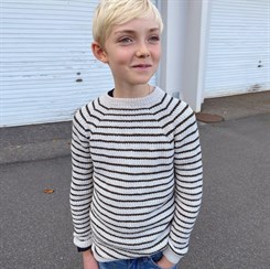 Friday Sweater Junior - strikkeopskrift fra PetiteKnit